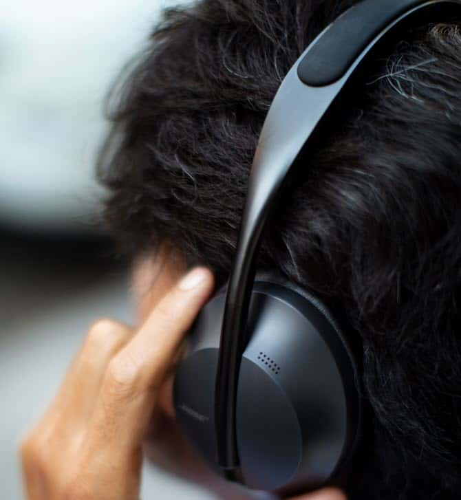Bose-Noise-Cancelling-Headphones-700_9