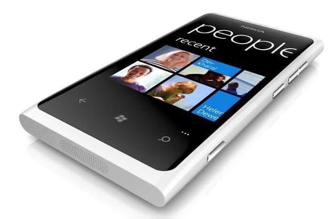 Nokia Lumia 800 in weiss - es kommt noch im Februar