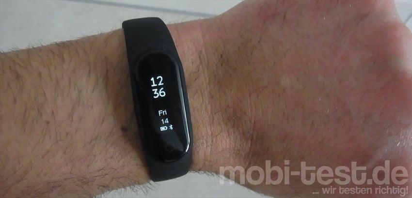 Y2 Plus Smart Bluetooth Wristband (1)