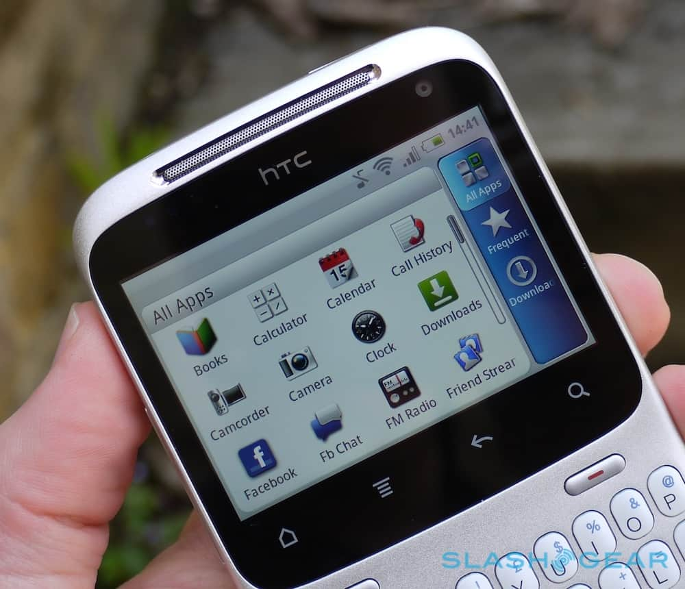 "HTC ChaCha - das ""Facebook"" Handy im Review"