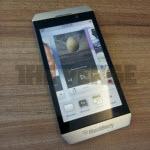 Erstes Fotos des BlackBerry London mit BBX?