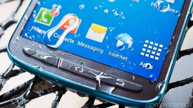 Samsung Galaxy S4 Active nass
