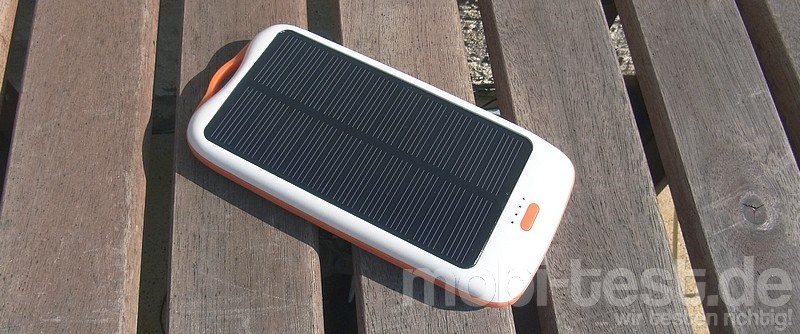 PowerAdd Solar Panel Charger 10000 mAh_1