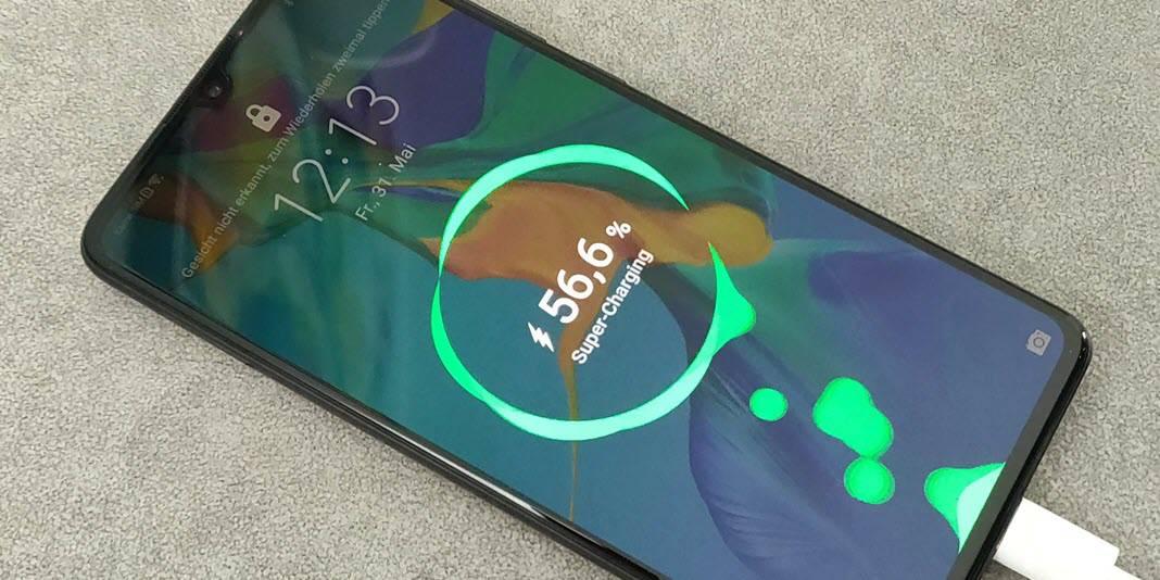 Top Smartphones von Huawei, Samsung und Co. - wie schnell laden sie wirklich?